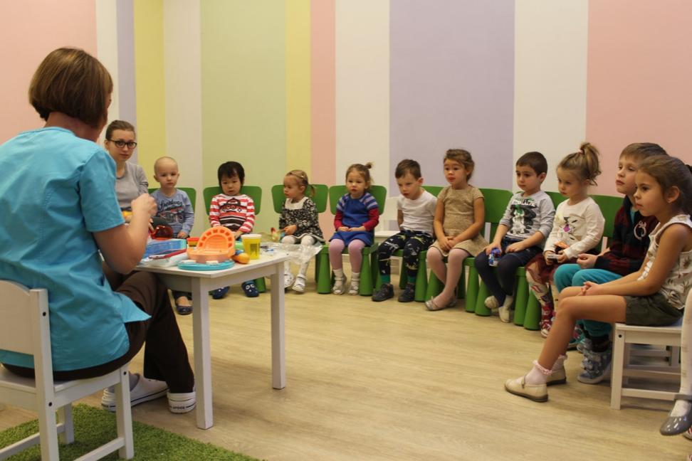 Открытый урок стоматолога Атрибьюти Клиник в детском саду